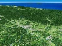 兵庫県西部上空から島根県へ向けて津山盆地と周辺地形を望む