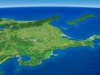 北海道東部沿岸より知床半島へ向けて根釧台地を望む