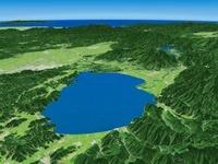 猪苗代湖南部上空から会津盆地を望む