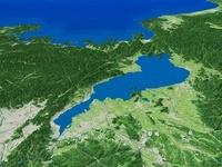 琵琶湖南部上空より若狭湾へ向け琵琶湖全体を望む