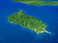 奥尻島を南西上空より望む 02614000345| 写真素材・ストックフォト・画像・イラスト素材|アマナイメージズ