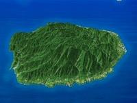 屋久島を南方上空より望む
