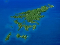 奄美大島を南西上空より望む