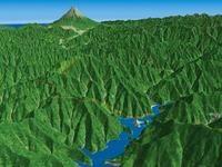 三頭山と奥多摩湖を望む