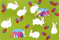 ウサギとドングリ