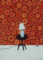 花柄の壁の前に、おかれたランプシェード 02640000022| 写真素材・ストックフォト・画像・イラスト素材|アマナイメージズ