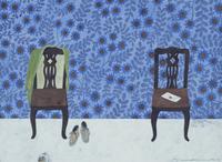 服のかかった椅子と、手紙の置かれた椅子 02640000070| 写真素材・ストックフォト・画像・イラスト素材|アマナイメージズ