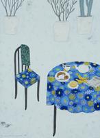 青い花柄のテーブルに置かれた朝食 02640000104| 写真素材・ストックフォト・画像・イラスト素材|アマナイメージズ