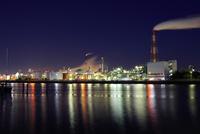 四日市工場地帯の夜景