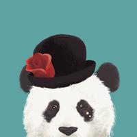 花飾りのついた帽子をかぶったパンダ