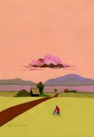 草原で夕焼け空を眺める人