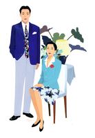 男性とイスに座る女性 02655000378| 写真素材・ストックフォト・画像・イラスト素材|アマナイメージズ