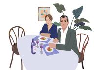 食事をする男性と女性 02655000483| 写真素材・ストックフォト・画像・イラスト素材|アマナイメージズ