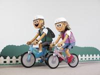 カップルでサイクリング サイクリングロード