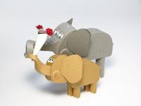 母の日 並んだ象の親子