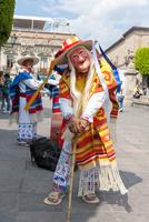 モレリア歴史地区 死者の日 伝統のマスクをかぶった踊り 02667000776| 写真素材・ストックフォト・画像・イラスト素材|アマナイメージズ