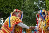 モレリア歴史地区 死者の日 伝統のマスクをかぶった踊り 02667000777| 写真素材・ストックフォト・画像・イラスト素材|アマナイメージズ