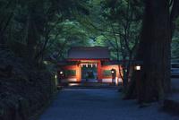 貴船神社 奥の院の門