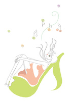 音符に腰掛け音楽を楽しむ女性