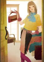 開いた部屋のドアの横に立つ女性 02675000018| 写真素材・ストックフォト・画像・イラスト素材|アマナイメージズ