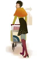カートを押し振り返る女性 02675000034| 写真素材・ストックフォト・画像・イラスト素材|アマナイメージズ
