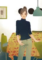 リビングでテーブルの前に立つ女性 02675000035| 写真素材・ストックフォト・画像・イラスト素材|アマナイメージズ