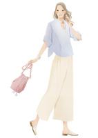 振り向いたワイドパンツ姿の女性 02675000041| 写真素材・ストックフォト・画像・イラスト素材|アマナイメージズ