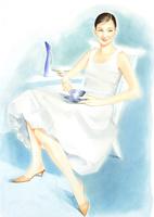 白いドレスの夏の女性 ティータイム