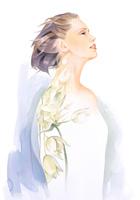 風に吹かれる女性 肩に花