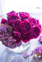 バラのアレンジメント 02684001475| 写真素材・ストックフォト・画像・イラスト素材|アマナイメージズ