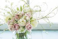 花アレンジ 02684001624| 写真素材・ストックフォト・画像・イラスト素材|アマナイメージズ