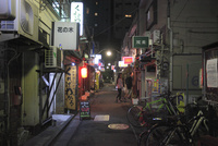 夜の新宿ゴールデン街