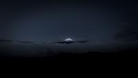 夜の雲海の上に浮かぶ富士山 02702000015| 写真素材・ストックフォト・画像・イラスト素材|アマナイメージズ