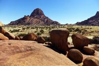 ナミビアの岩山