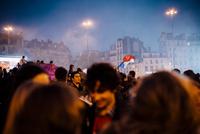 2012年フランス大統領選挙バスティーユ広場 02738000382| 写真素材・ストックフォト・画像・イラスト素材|アマナイメージズ