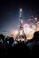 パリ祭の日のエッフェル塔花火