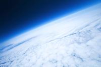 バルーンで撮影した地球大気と宇宙の境界 ふうせん宇宙撮影 02740000004| 写真素材・ストックフォト・画像・イラスト素材|アマナイメージズ