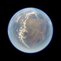 宇宙に浮かぶ地球 北海上上空でバルーン撮影 成層圏からのスペースバルーンによる天球撮影