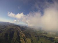 雲と同じ高さから撮影したニセコアンヌプリ バルーン空撮