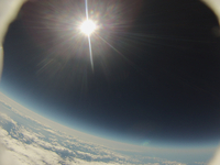ジェット気流に乗り荒ぶる気球から撮影した景色
