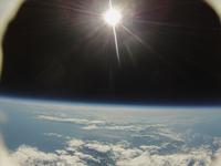 風船で撮影した地球と宇宙 ふうせん宇宙撮影 02740000173| 写真素材・ストックフォト・画像・イラスト素材|アマナイメージズ