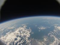 北海道上空成層圏30000mから見た青い地球