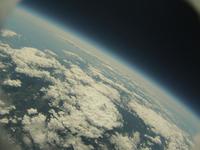 北海道上空成層圏から見た青い地球