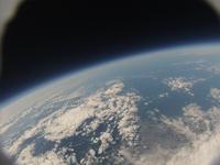北海道上空成層圏30000m近辺から見た青い地球