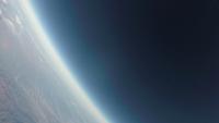 宇宙と地球の境界 徐々に薄くなる地球大気 スペースバルーンより 02740000263| 写真素材・ストックフォト・画像・イラスト素材|アマナイメージズ