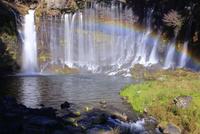 虹かかる富士山白糸の滝