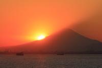 海ほたるPAより落日の富士山