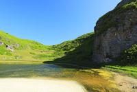 小笠原諸島南島・快晴の空と陰陽池