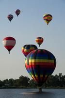 ホットエアバルーン 熱気球フェスティバル 02763000028| 写真素材・ストックフォト・画像・イラスト素材|アマナイメージズ