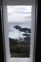 潮岬と潮岬灯台の窓